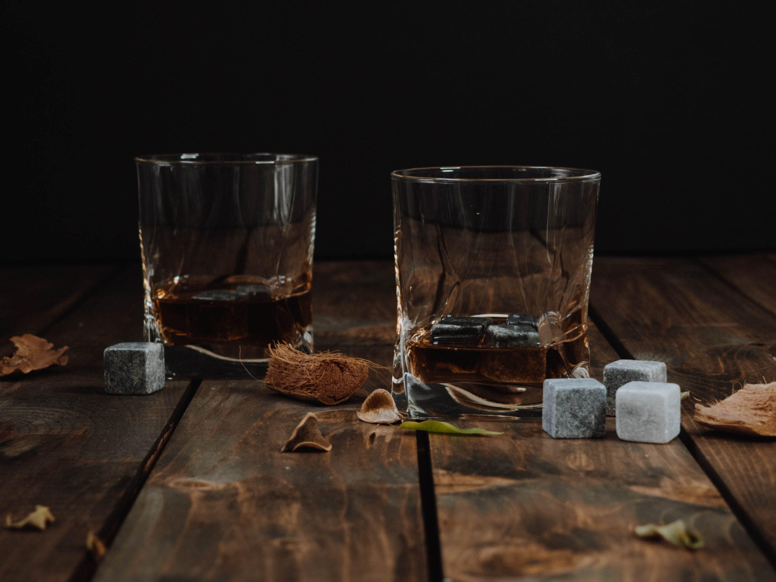 verre avec des glaçons